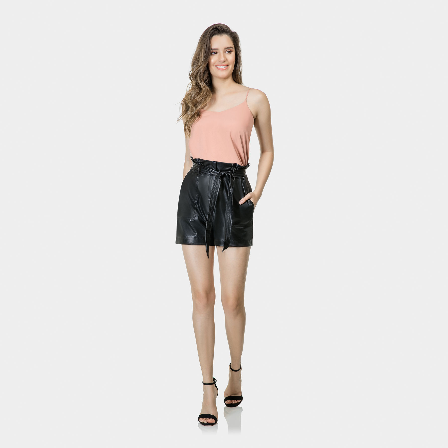 Shorts Clochard Cinto PU